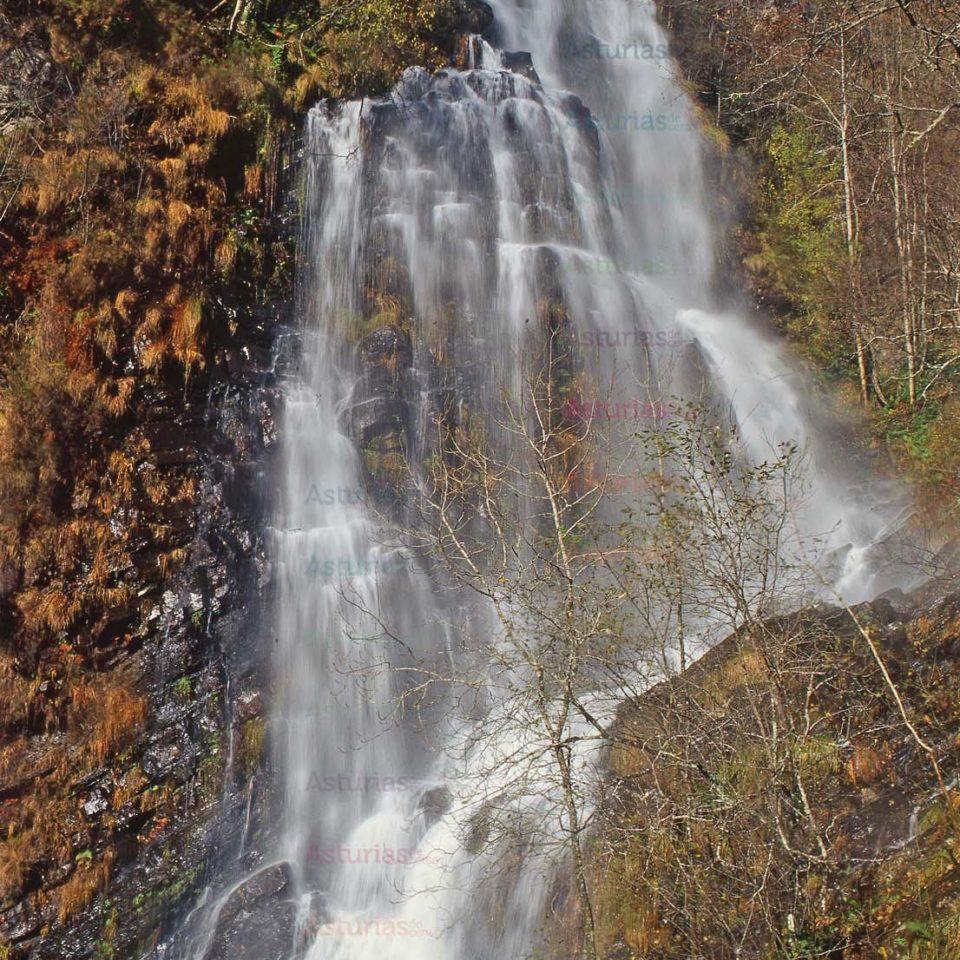 Cascada A Seimeira. Santa Eulalia